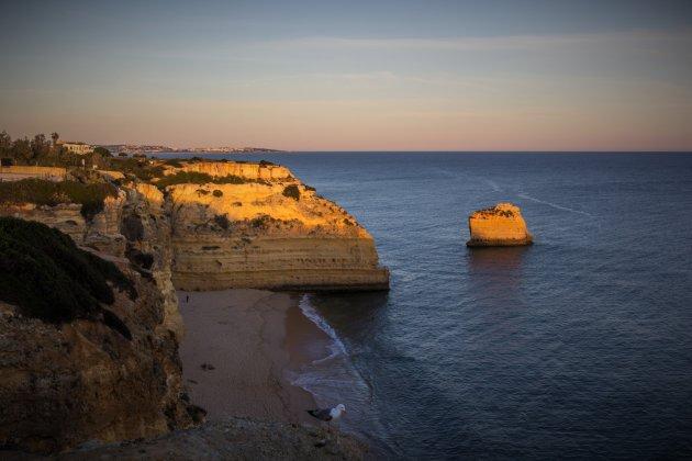 Zonsondergang bij Praia da Marinha