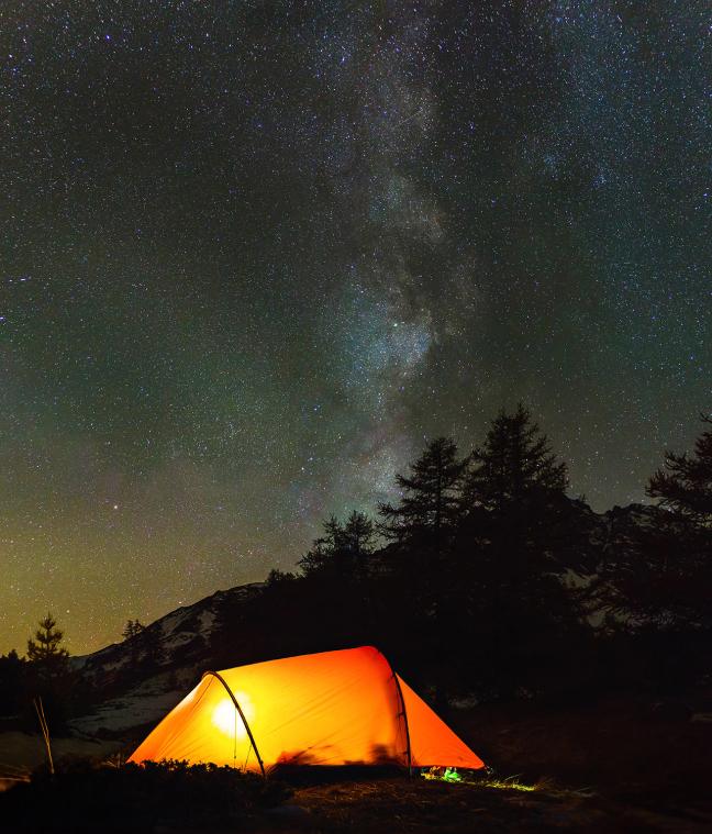 Kamperen onder de sterren.