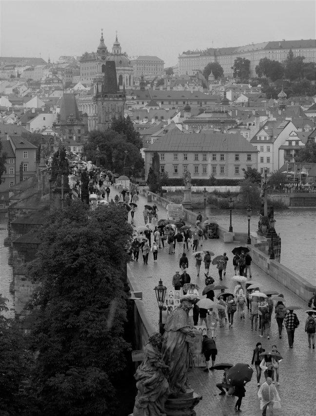 Karelsbrug tijdens de regen