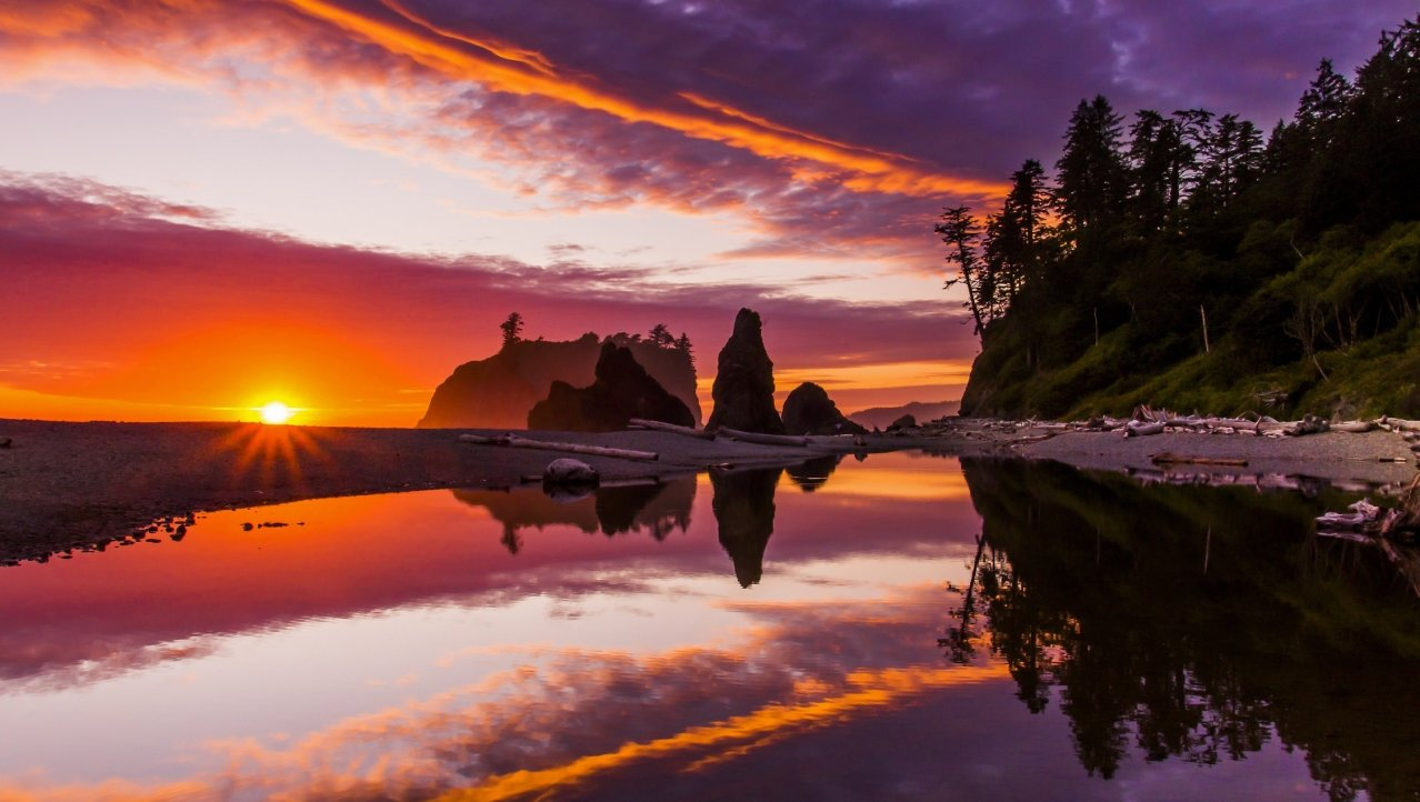 Zonsondergang op Ruby Beach in het Olympic N.P.