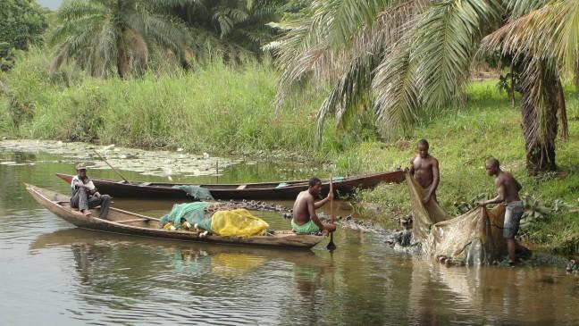 Zoetwatervis vangen in Akosombo