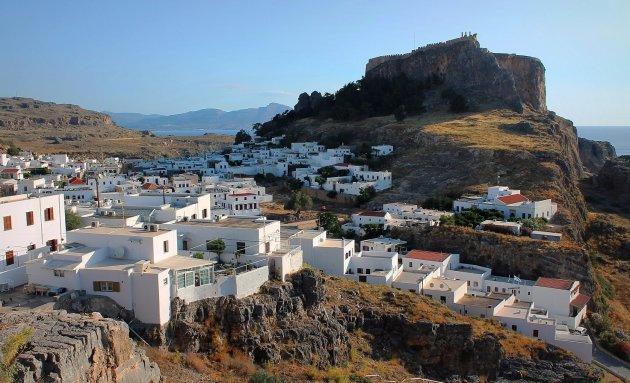 Zicht op de Acropolis van Lindos