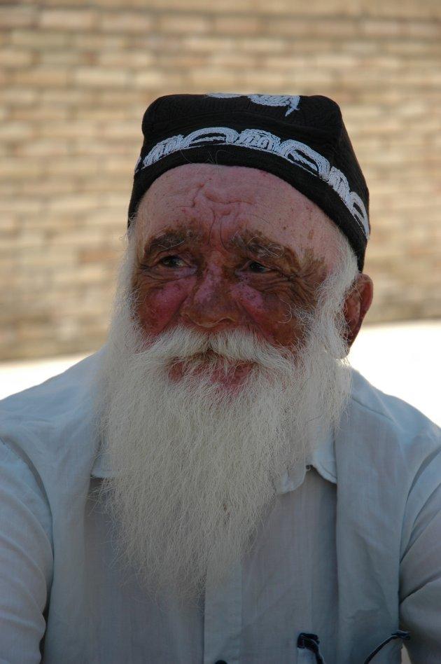 Oude man in Buchara