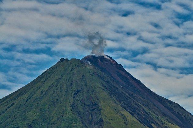 Rokende Arenal vulkaan