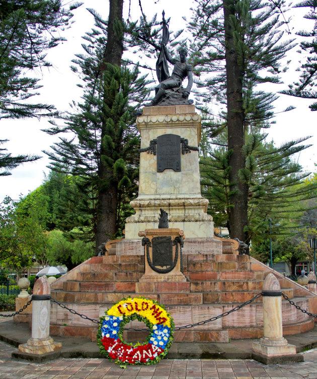 Standbeeld Cuenca in Parque Calderón