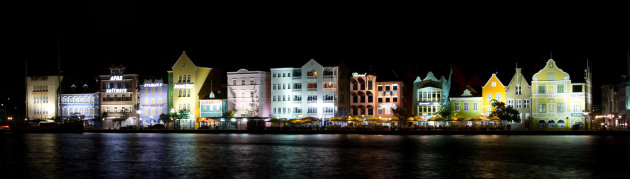 Willemstad bij nacht