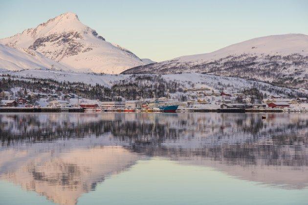 Fjorden in de buurt van Tromsø