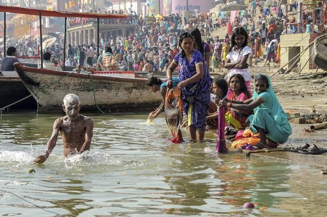 Wassen aan de Ganges oever