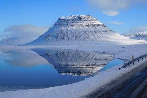 Reizen door een winters IJsland