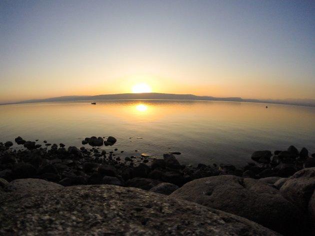 Zonsondergang over het meer van Galilea