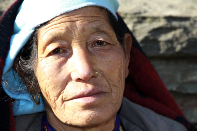 Vrouw in Chhomrong
