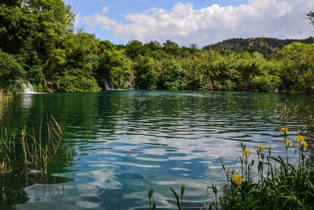 Wandelen langs meren en watervallen