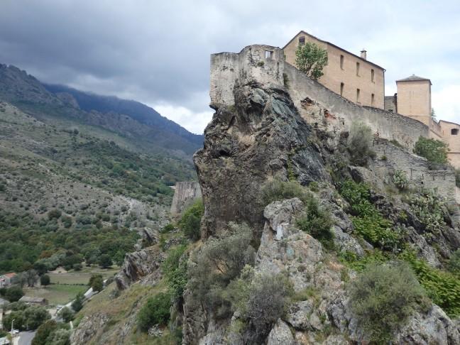 Zicht op de citadel van Corte