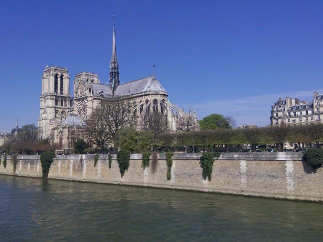 Zijkant van de Notre Dame