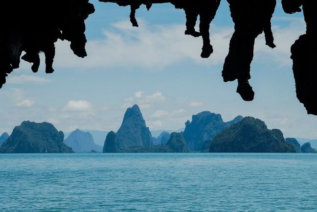 De blauwe eilanden van de Phang Nga baai