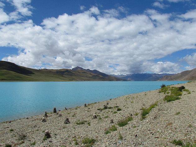 steenmannetjes bij heilig meer