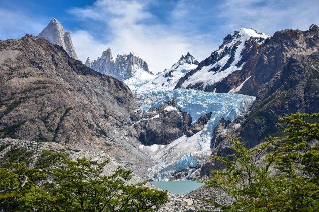Hiken met een prachtig uitzicht op de Piedras Blancas gletsjer