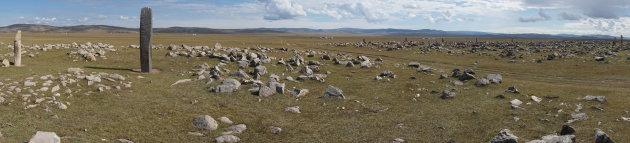 3.000 jaar oude 'deer stones' op de steppe van Mongolië