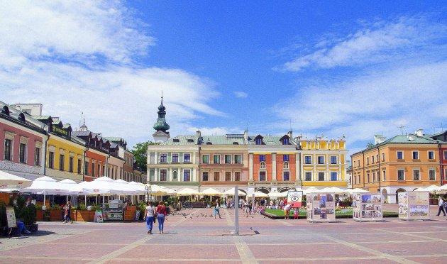 Een heel groot plein