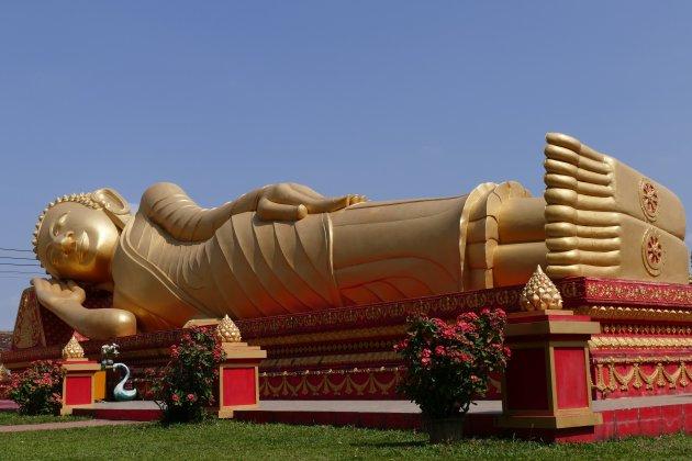 Gouden liggende Boeddha