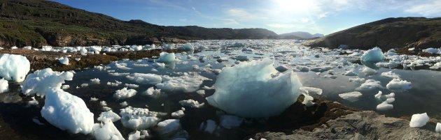 Kayakken tussen de Groenlandse ijschotsen!
