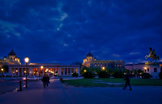 De Heldenplatz