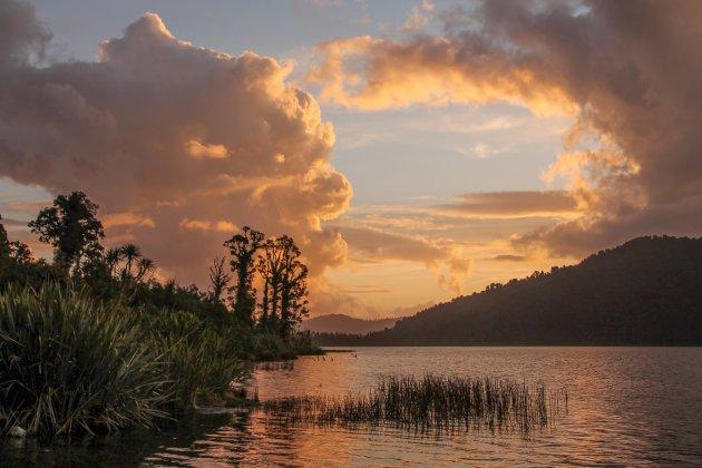 Kamperen bij Onontdekt Lake Ianthe