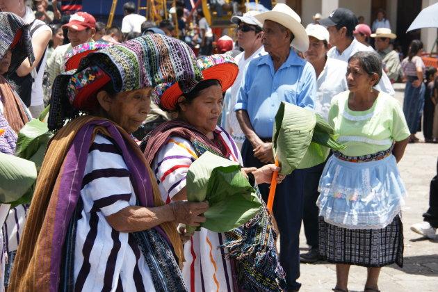 Processie voor St Jacobus en Maximón