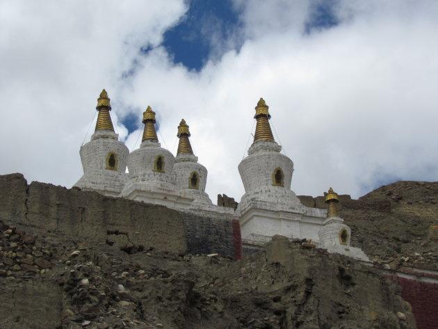 Stupa's op de berg