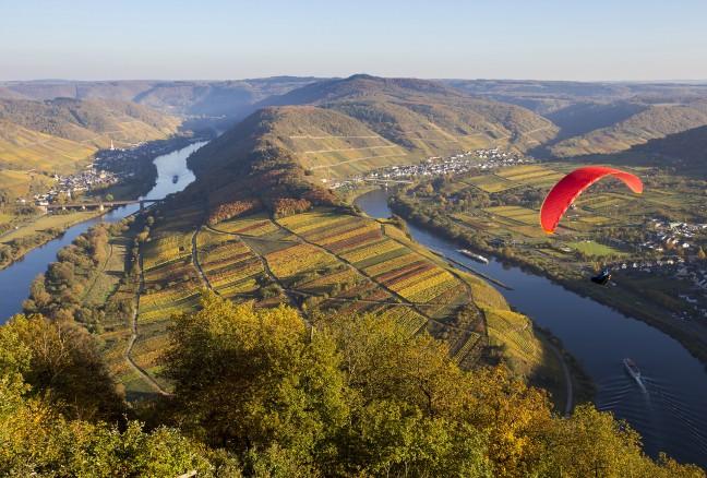 Paragliden langs de Moezel