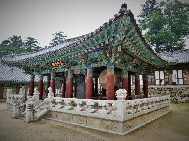 Trom en bell tower Haein-sa tempel