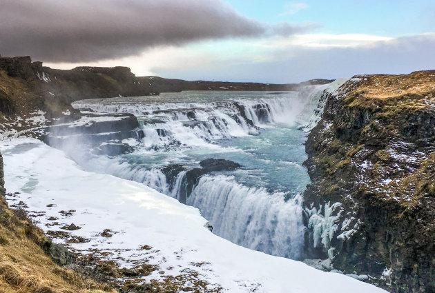 Winterse waterval