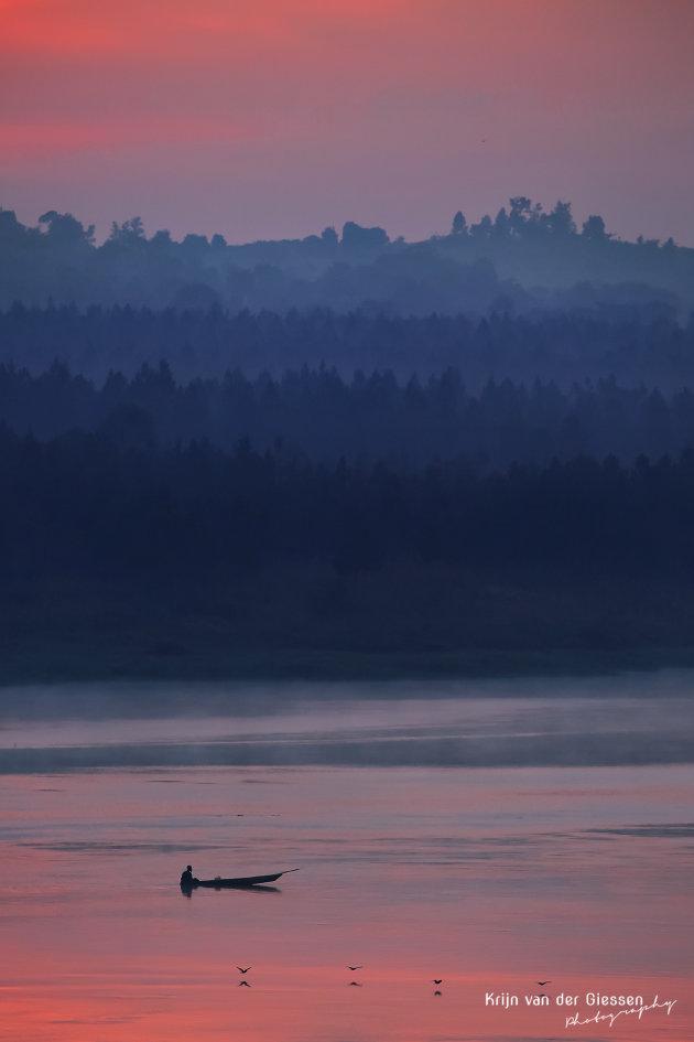 Pastelkleurige zonsopkomst over de Nijl