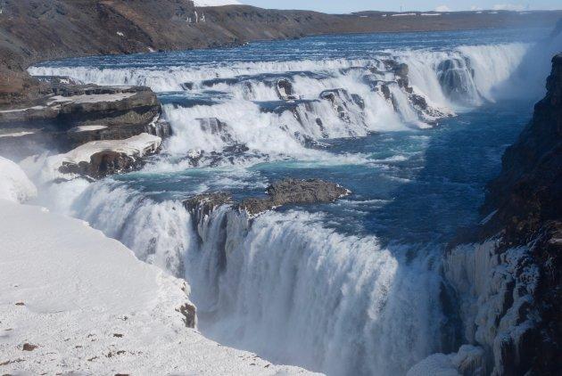 De mooie Gullfoss waterval