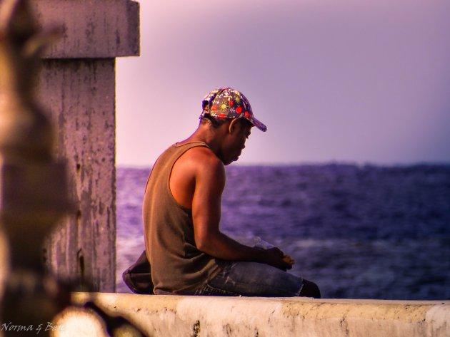 Reflecterend aan zee
