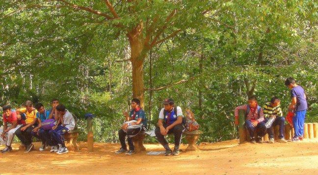 Op excursie naar het Sinharaya Forest