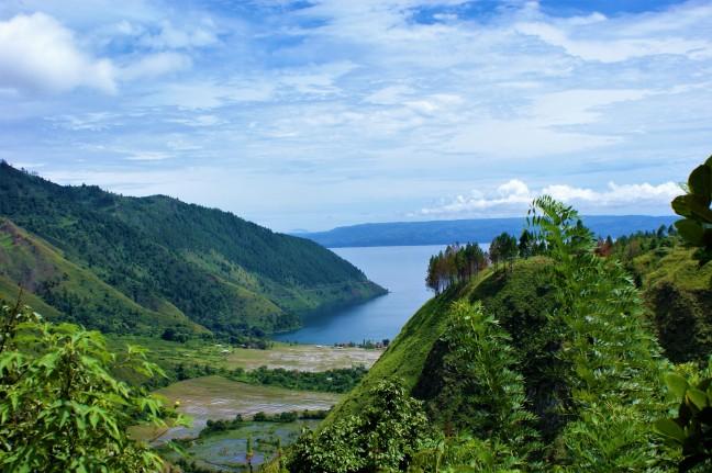 Uitzicht op het Toba meer