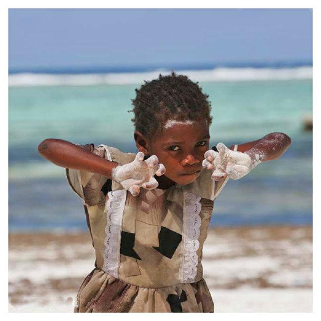 meisje op Zanzibar