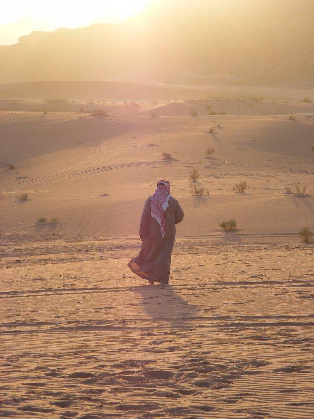 Arabier bij zonsondergang