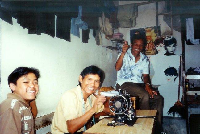 1997: Java, Ciwidey: kleermakers.