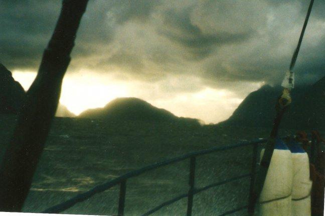 storm in het fjord