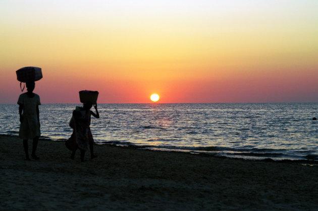 zonsondergang strand Ivaty
