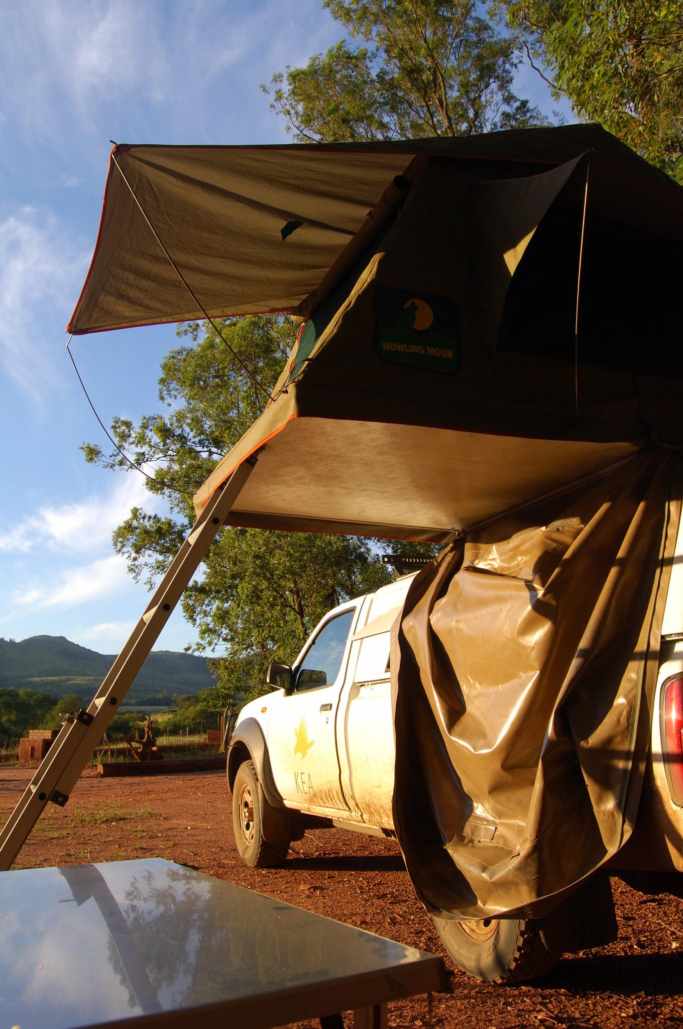 Onze stoere jeep met daktent