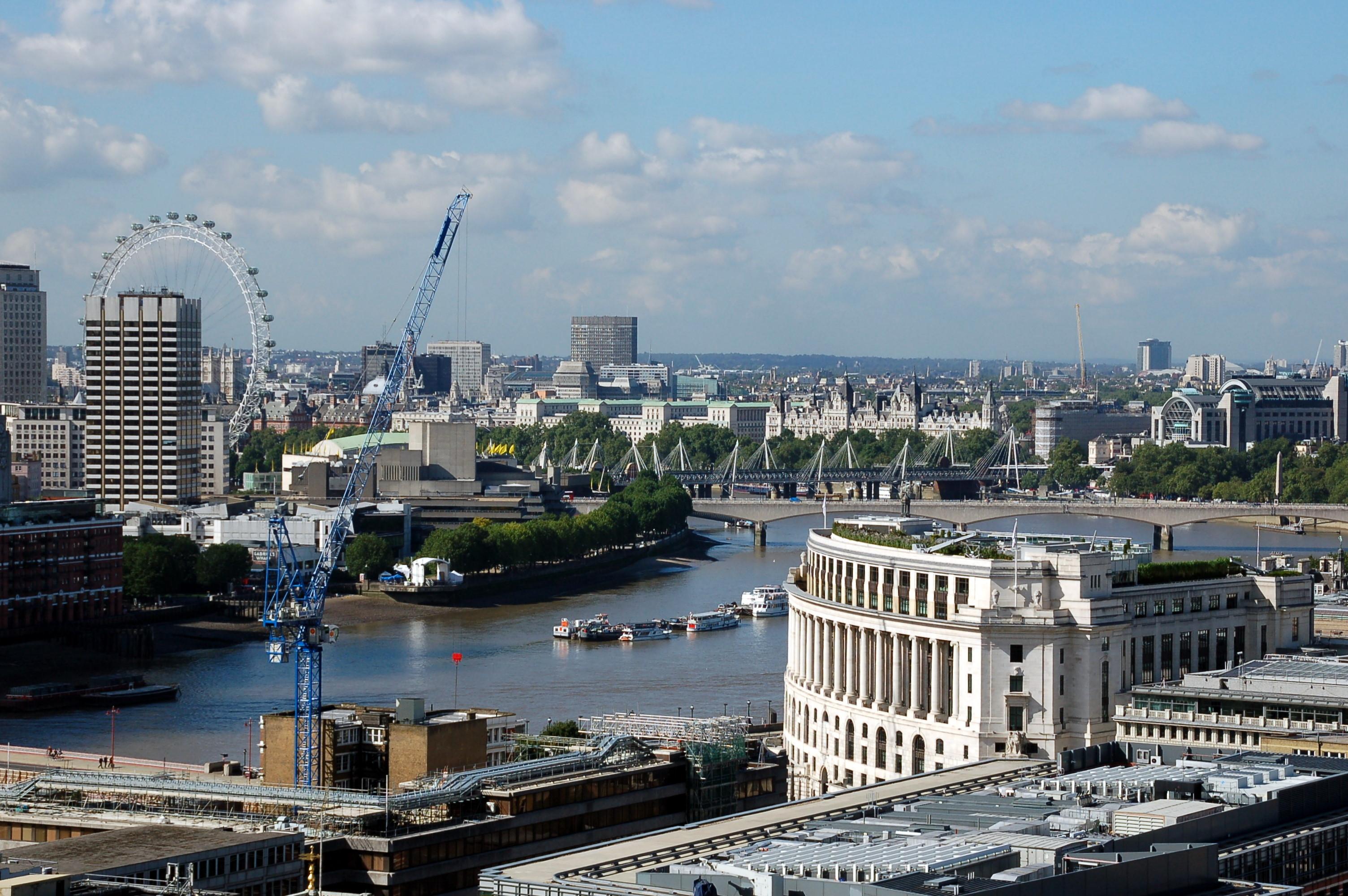 Uitzicht over Londen met de London Eye.