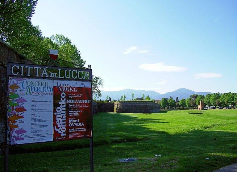 Hoofdfoto bij reisverhaal 'Toscana 1, 1 mei in Lucca'