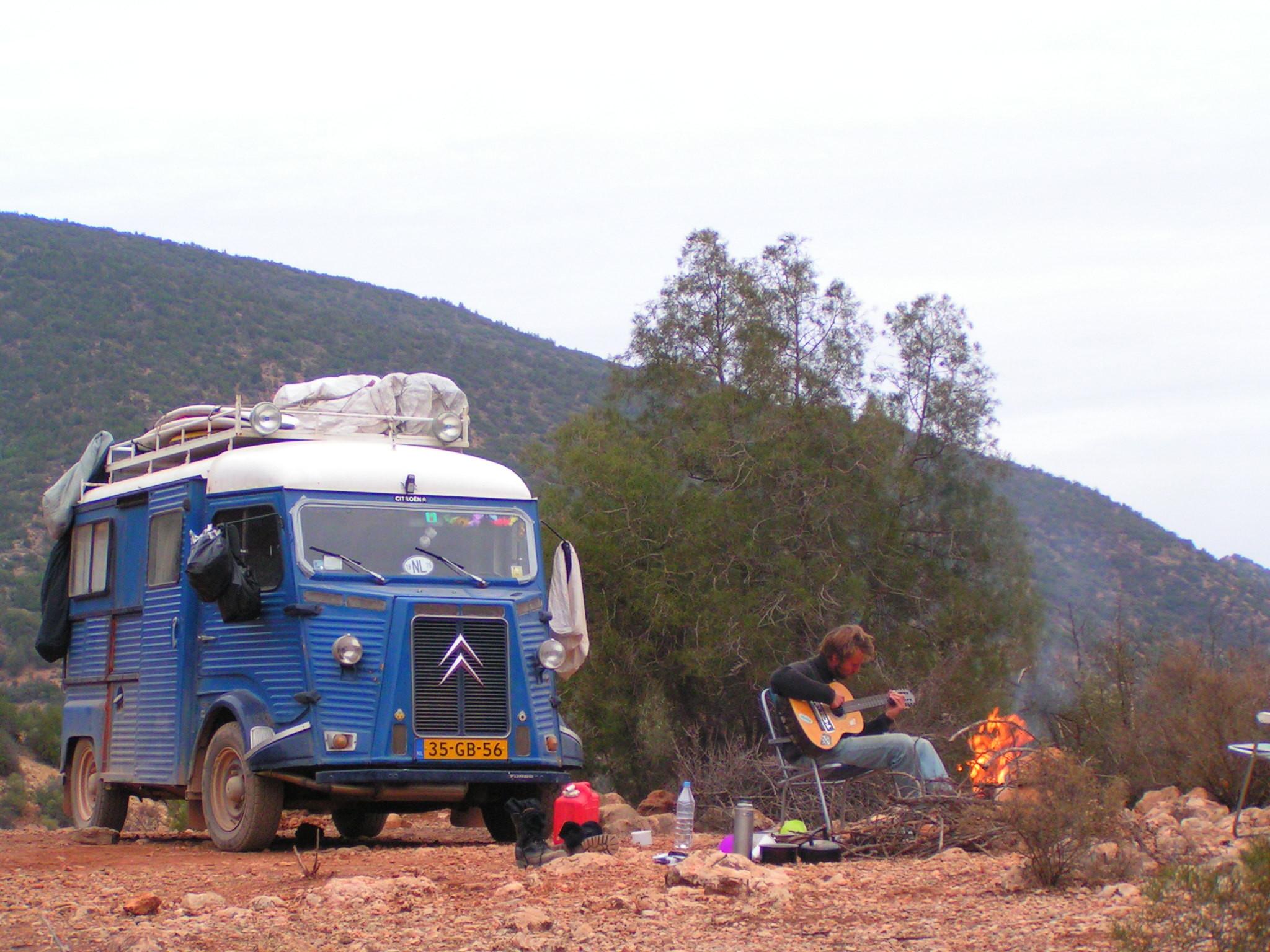 camperen langs de piste