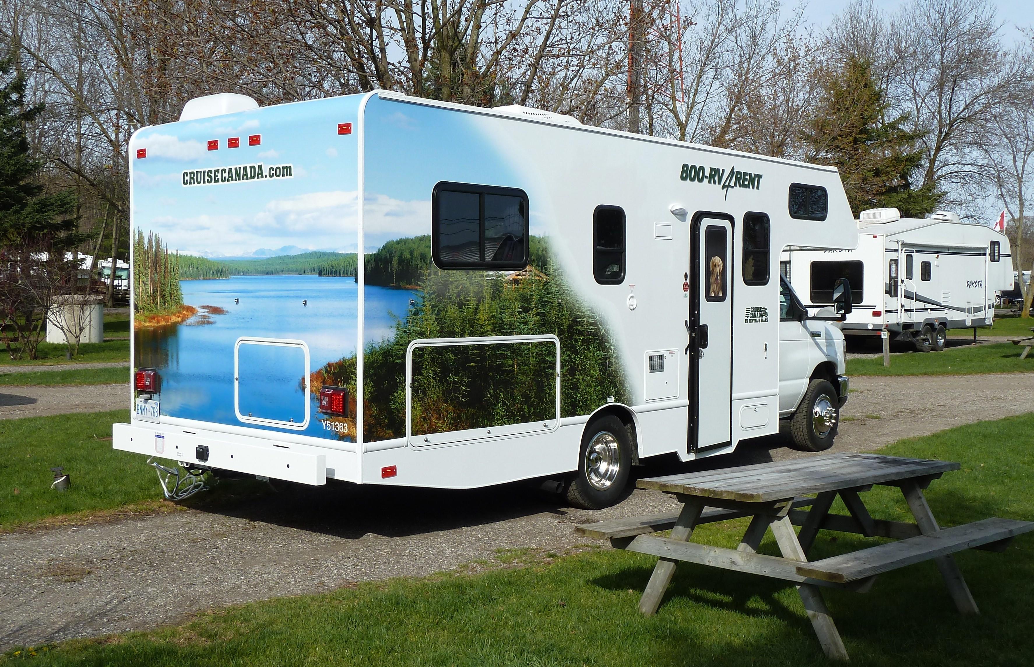 camper op camping