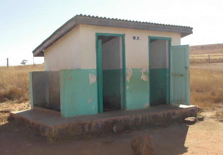 Het toiletgebouw