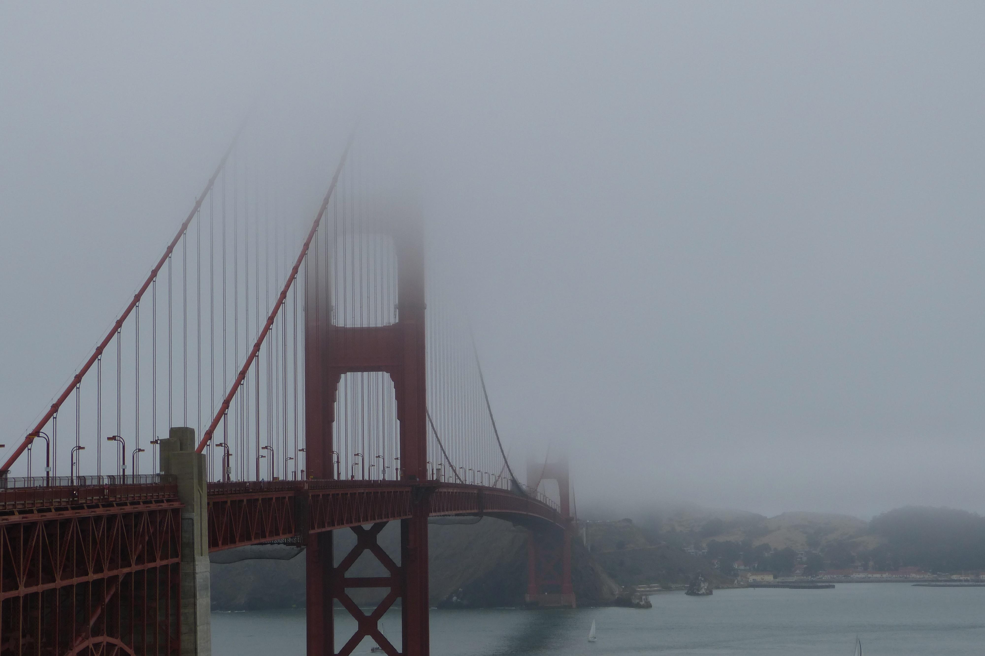 Golden Gate Bridge met mist