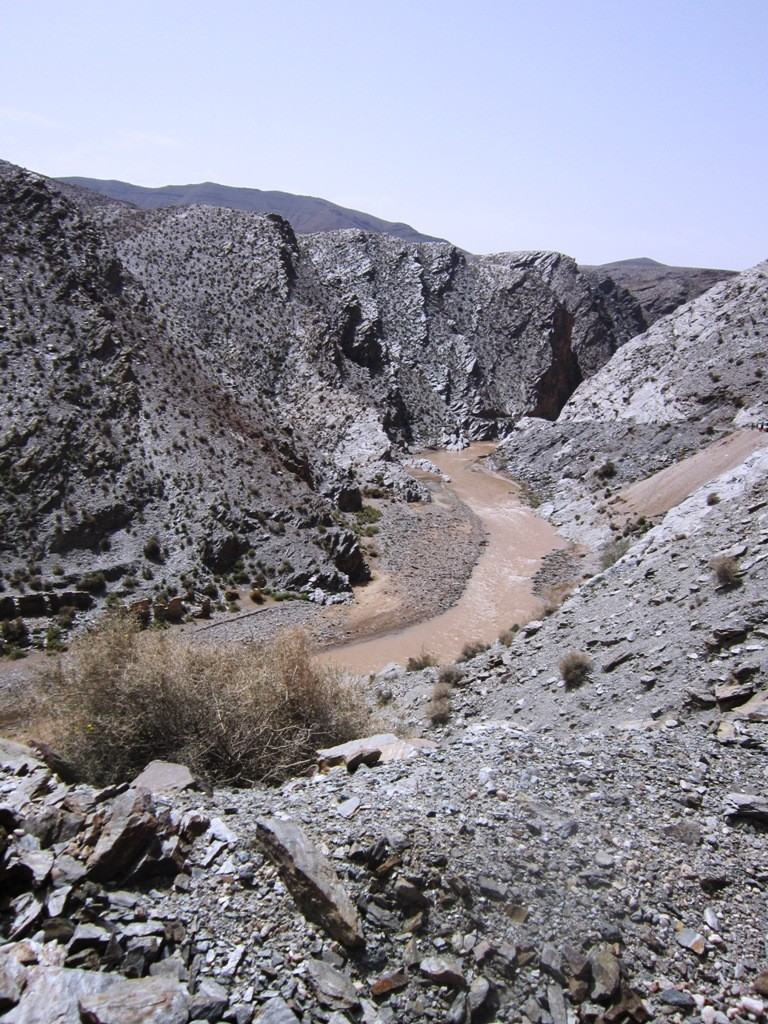 De mooie zwarte grillige bergen langs de Mijnen route !!